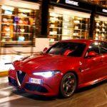 """Naujasis """"Alfa Romeo Giulia"""" išrinktas gražiausiu 2016-ųjų automobiliu"""